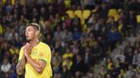 Striker baru Cardiff City, Emiliano Sala, dikabarkan berada di dalam pesawat yang hilang kontak di wilayah Alderney, Senin (21/1/2019). (AFP/Sebastien Salom Gomis)