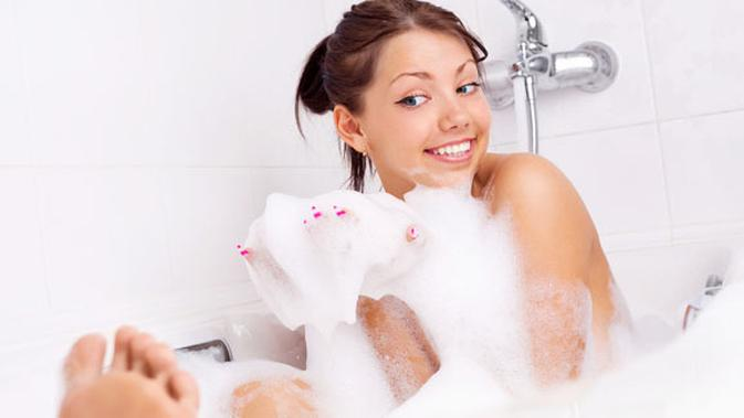 Cara Membesarkan Payudara Sambil Mandi Beauty Fimela Com