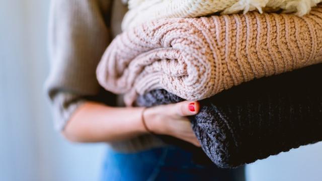 7 Cara Merawat Sweater Agar Tetap Awet dan Tidak Mudah Melar - Hot  Liputan6.com