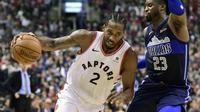 Aksi Kawhi Leonard (no 2) saat Raptors mengalahkan Mavericks (AP)