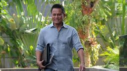 Ekspresi Presiden Komisaris PT Mugi Rekso Abadi (MRA) Soetikno Soedarjo tiba di Gedung KPK, Jakarta, Rabu (12/9). Soetikno menjadi saksi untuk tersangka mantan Direktur Utama PT Garuda Indonesia, Emirsyah Satar. (Merdeka.com/Dwi Narwoko)