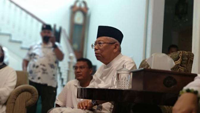 Cawapres Ma'ruf Amin berada di kediamannya Jalan Situbondo, Jakarta.