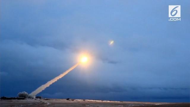 Presiden Rusia Vladimir Putin mengungkapkan rentetan senjata nuklir jenis baru