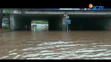 BPBD DKI Jakarta mencatat, setidaknya ada 17 titik genangan banjir hingga Senin, pukul 18.00 WIB. Data dikumpulkan dari laporan masyarakat