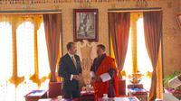 Duta Besar RI, Arto Suryodipuro mengawali rangkaian kunjungan resminya ke Bhutan dengan menemui beberapa pejabat tinggi Kerajaan Bhutan (KBRI New Delhi)