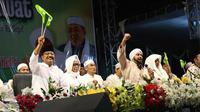 Calon Gubernur Jawa Timur nomor urut 2 Saifullah Yusuf (Gus Ipul) mengikuti Lirboyo BerSholawat bersama Habib Syekh bin Abdul Qodir As Segaf