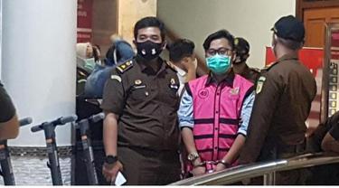 Politisi Nasdem, Andi Irfan Jaya sesaat setelah jadi tersangka terkait kasus Jaksa Pinangki (Istimewa)