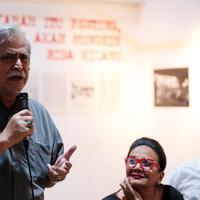 Di Galeri Foto Jurnalistik Antara, Jakarta Pusat, Jumat (22/9) malam, aktor senior ini mengatakan dirinya tak bisa melarang jika film tersebut diputar berulang kali. Pasalnya, setiap orang punya urgens tersendiri. (Deki Prayoga/bintang.com)