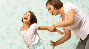 Dampak Jangka Panjang Sering Memukul Anak