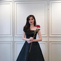 Nama Sonia Fergina Citra tengaah ramai menjadi perbincangan publik lantaran prestasinya berhasil merebut mahkota kemenangan Puteri Indonesia 2018. Selain itu paras cantiknya juga kerap mencari perhatian. (Instagram/soniafergina)