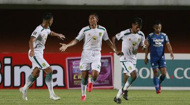 FOTO: 5 Gol dan 2 Kartu Merah Tersaji, Persib Bandung Singkirkan Persebaya Surabaya 3-2 - Mokhamad Syaifuddin