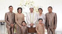 Anang Hermansyah dan Ashanty tentu merasa bahagia atas pernikahan Aurel Hermansyah dan Atta Halilintar. Selain untaian doa terindah, Anang dan Ashanty mempersembahkan cintanya lewat lagu. (Instagram/ananghijau)
