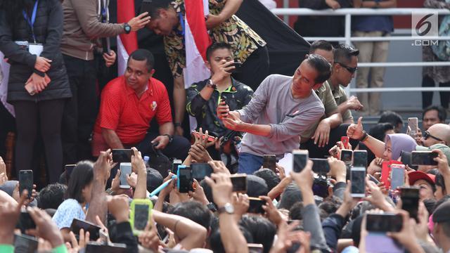 Resmikan Pengoperasian MRT Jakarta fase 1, Jokowi Tembus Kerumunan Warga