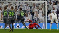 Real Madrid takluk 0-2 dari Real Sociedad pada laga pekan ke-18 La Liga Spanyol, di Santiago Bernabeu, Minggu (6/1/2019). (AP Photo/Paul White)
