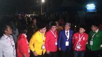 Sembilan sekretaris jenderal partai politik pendukung Jokowi-Ma'ruf Amin di KPU. (Merdeka.com/Ronald)