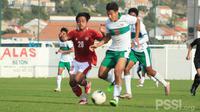 Para pemain Timnas Indonesia U-19 melakoni internal game sebagai pengganti laga uji coba yang batal dilakukan. (dok. PSSI)