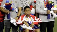 Kesedihan Evan Dimas, tak hanya mengalami cedera namun juga gagal menyabet medali emas SEA Games 2019. (Bola.com/M. Iqbal Ichsan).
