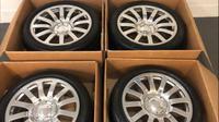 Pelek dan ban bekas Bugatti Veyron (Autoweek.com)