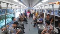 Mimpi untuk melihat meluncurnya moda transportasi massal seperti mass rapid transit (MRT) dan monorel di Jakarta akan segera terwujud. Usai pembangunan MRT di dua rute green and blue line kini direstui.(Liputan6.com/Herman Zakharia)