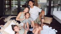 Jennifer Bachdim dan keluarga (Instagram/jenniferbachdim)