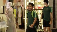 Pemain Timnas Indonesia, Andik Vermansah, saat berada di Hotel Al Meroz, Bangkok, Kamis, (15/11). Hotel bernuansa Islami itu menjadi tempat penginapan Indonesia jelang laga Piala AFF 2018 melawan Thailand. (Bola.com/M. Iqbal Ichsan)