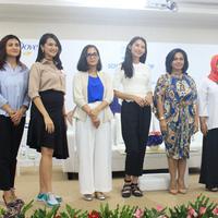 Angkie Yudistisia dan Nicoline Patricia menginspirasi para siswa SMAN 74 Jakarta Dove Self-Esteem Project. Seperti apa ya kisah inspiratif mereka?