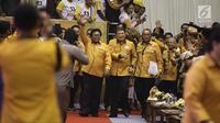 Ketua Umum Partai Hanura Oesman Sapta Odang (OSO) saat akan membuka Rakernas Partai Hanura di Pekanbaru, Riau, Selasa (8/5). Namun, OSO tidak menjelaskan alasan pembatalan kedatangan Jokowi ke Rakernas Partai Hanura. (Liputan6.com/Herman Zakharia)