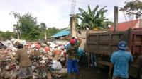 Gubernur Sulut Olly Dondokambey mengerahkan 50 truk untuk mengangkut sampah dari berbagai kawasan di Manado, Jumat (5/2/2021).