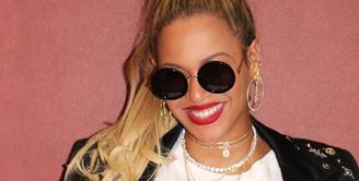Beyonce menjadi topik pembicaraan karena dirinya mengaku digigit saat menghadiri pesta. (instagram/beyonce)
