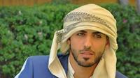 Pria Arab tak hanya mengenakan kondura untuk menutupi tubuh mereka. Gaya mereka kini lebih modern meski tak meninggalkan nilai tradisional.
