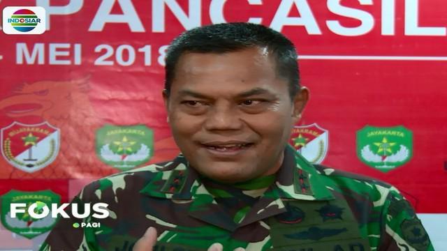 Pangdam Jaya Mayjen TNI Joni Supriyanto dalam ceramahnya di sebuah seminar di Univeritas Tarumanegara, Jakarta, mencoba memotivasi mahasiswa.