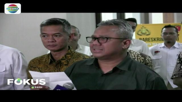 Ketua KPU Arief Budiman, laporkan tiga akun penyebar video diduga hoaks yang menyebut adanya setingan server untuk memenangkan paslon tertentu di Pilpres 2019.