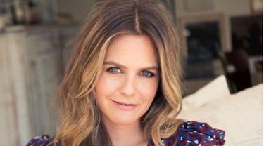 Artis Hollywood Alicia Silverstone Ternyata Suka Makan Tempe