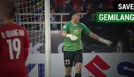 Berita video momen penyelamatan gemilang kiper Vietnam, Dang Van Lam, menghalau tembakan pemain Malaysia, Syahmi Safari, pada laga leg II Final Piala AFF 2018, Sabtu (15/12/2018).
