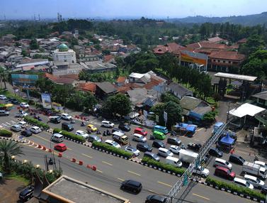 Lalu lintas Menuju Kawasan Puncak Masih Padat