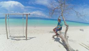 Pantai Gili Labak Sumenep Madura ini memiliki berjuta keindahan yang bisa dinikmati.  (Doc: Instagram.com/aynur_hc)