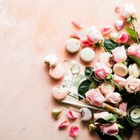 Cokelat dan Bunga Valentine