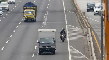 Hindari Banjir, Sepeda Motor Masuk Tol Karang Tengah