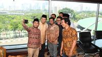 Wakil Ketua MPR RI Dr. H, M. Hidayat Nur Wahid menerima kunjungan delegasi Panitia Rapimnas II Kesatuan Aksi Mahasiswa Muslim Indonesia (KAMMI) Tahun 2019.