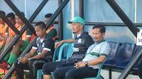 Djadjang Nurdjaman belum mampu membawa PSMS Medan meraih kemenangan di kandang PSIS Semarang. (Bola.com/Ronald Seger Prabowo)