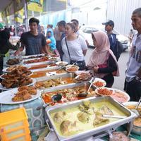 Kuliner Pasar Benhil. (Daniel Kampua/Bintang.com)