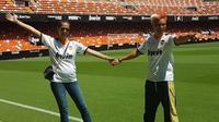 Baim Wong dan Paula Verhoeven di Stadion Mestalla, markas Valencia.  (FOTO / Ist)