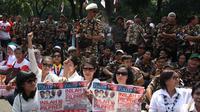 Kubu Prabowo-Hatta tengah menunggu putusan Mahkamah Konstitusi (MK) terkait Perselisihan Hasil Pemilihan Umum (PHPU) Pilpres 2014.