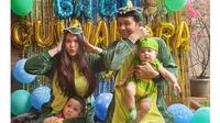 6 Momen Perayaan Ulang Tahun dan Aqiqah Anak Vicky Shu, Pakai Kostum Lucu (sumber: Instagram.com/vickyshu)