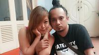 Ikif D'Academy mengaku sangat berat meninggalkan suami sendirian di Surabaya.