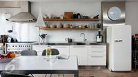 Dapur menjadi salah satu ruangan paling penting di rumah. Maka tak ada salahnya memulai membenahi rumah dari dapur. (iStockphoto)