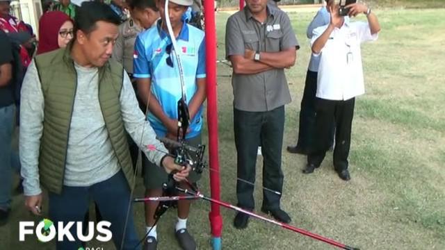Tidak hanya melihat latihan, Menpora juga memompa motivasi para atlet yang akan mengharumkan nama bangsa di ajang Asian Para Games 2018.