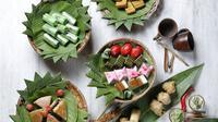 Gran Melia Jakarta mengajak masyarakat untuk mencicipi beragam kue tradisional Indonesia yang dikemas dengan Tradisi Minum Teh (Liputan6/pool/Gran Melia Jakarta)