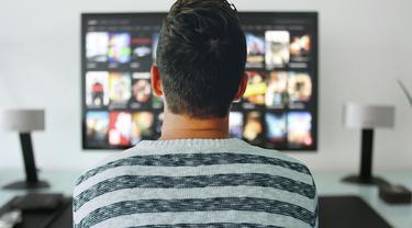 Ilustrasi Menonton TV, Menonton Video