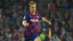 2. Frenkie de Jong (75 juta euro) - Pemain asal Belanda ini didatangkan Barcelona dari Ajax pada Juli 2019. Barcelona menggelontorkan uang sebanyak 75 juta euro untuk memboyong Frenkie de Jong dari Ajax. (AFP/Lluis Gene)